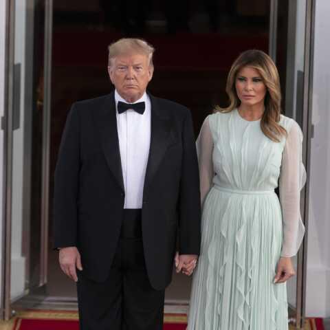 """Donald et Melania Trump sont """"un vrai couple""""… malgré les rumeurs, le couple fait face"""