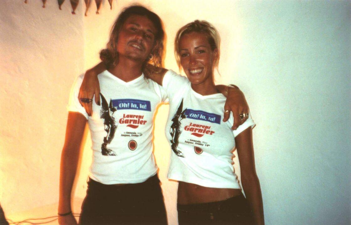 Ophélie Winter au côté de son frère Mickaël à la discothèque L'Amnesia, à Ibiza, le 20 août 1998.