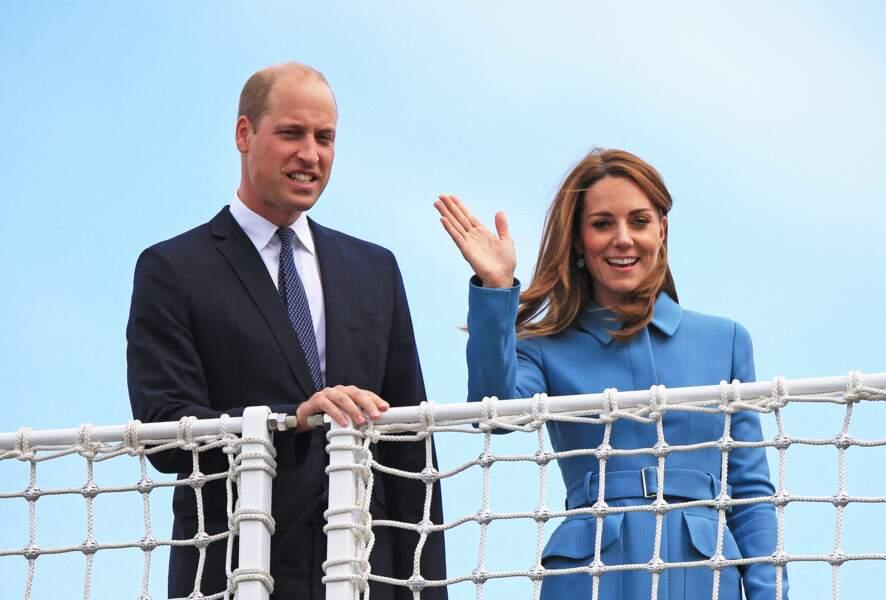 Kate Middleton et le prince William sont apparus très souriants, pendant que Meghan et Harry sont en Afrique du Sud