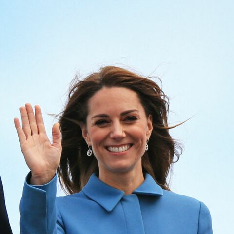 PHOTOS – Kate Middleton très élégante, recycle son manteau favori signé Alexander McQueen