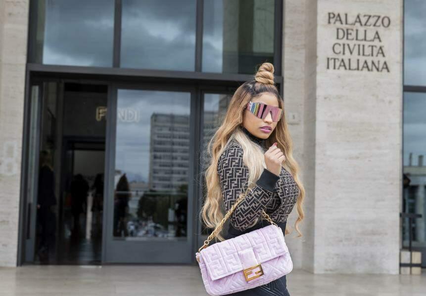 """La collection """"Nicki Minaj Prints On"""" de Fendi sera disponible dès la mi-octobre."""