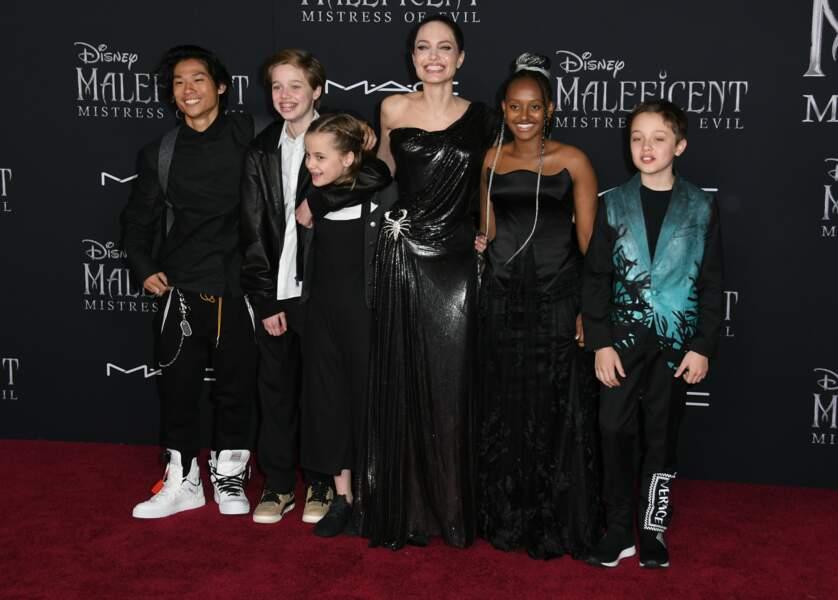 Angelina Jolie entourée de la fratrie presque au complet, ne manquait que Maddox