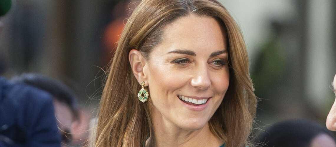 PHOTOS – Kate Middleton fait sensation avec une paire de boucles d'oreilles à 6 €! - Gala