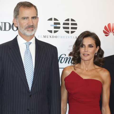 PHOTOS – Le look osé de la reine Letizia d'Espagne, elle vampe son mari Felipe