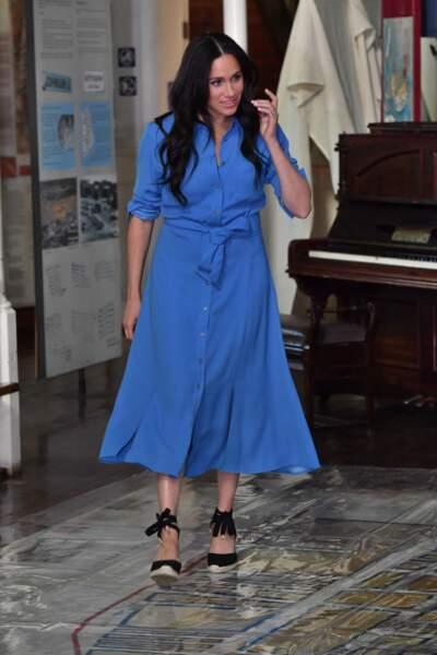 Jour 1 : Meghan Markle recycle sa sublime robe Veronica Beard le 23 septembre 2019 pour la soirée