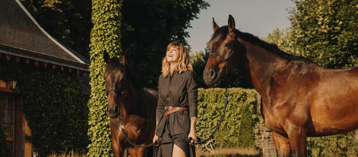 PHOTOS – Mode engagée : comme Daphné Burki et Laurie Cholewa, où trouver les plus belles pièces qui sauvent? - Gala