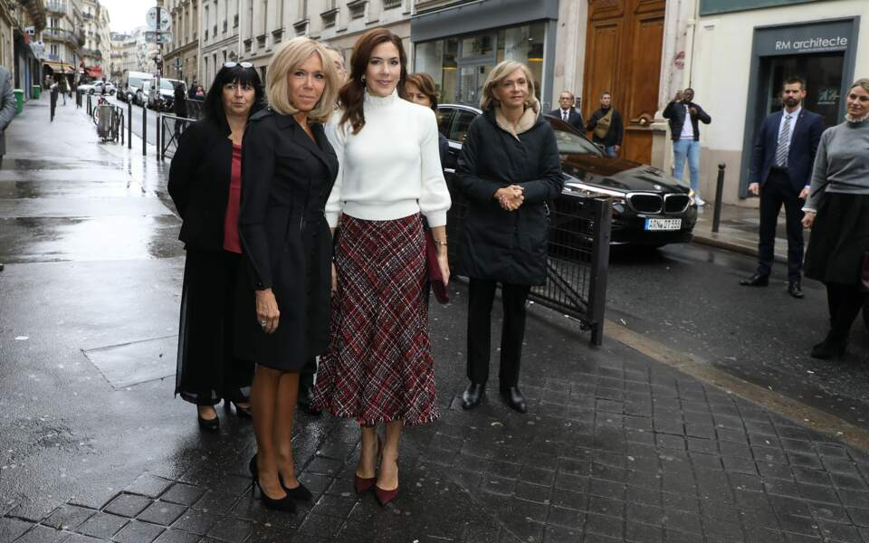 Brigitte Macron retrouve son amie Mary du Danemark à Paris