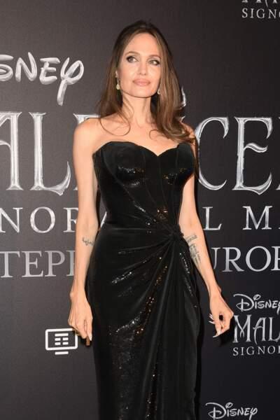 """Angelina Jolie reine de la nuit à la première de """"Maléfique 2"""", à Rome, le 7 octobre 2019."""