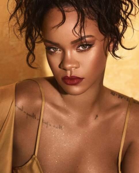 Le bordeaux est l'un des lipstick préféré de Rihanna