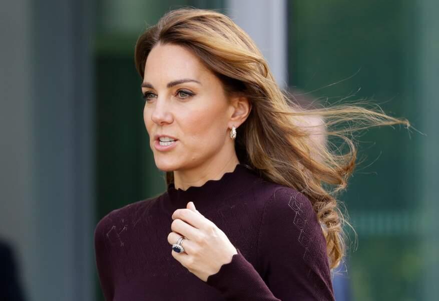 Kate Middleton, sublime lors d'une visite au Musée d'Histoire Naturelle à Londres, le 9 octobre 2019, a aussi changer sa façon de brusher ses cheveux