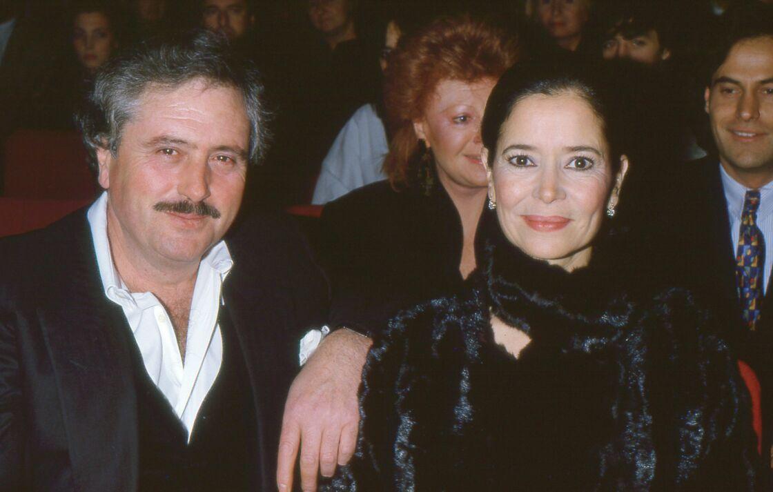 Victor Lanoux et Marie-José Nat lors d'un concert à l'Olympia, à Paris, le 15 octobre 1986.