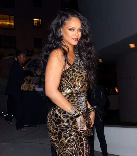 Rihanna a recours aux extensions capillaires depuis presque toujours.