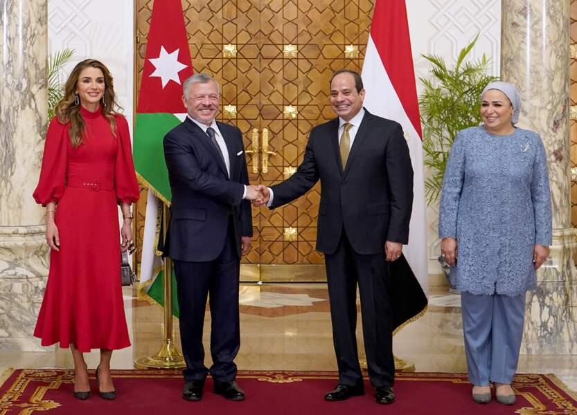 Sa Majesté était accompagnée de son époux, le roi Abdallah II de Jordanie.