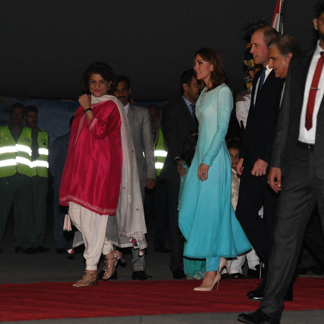 Kate Middleton et le prince William arrivent à Islamabad, le 14 octobre 2019.