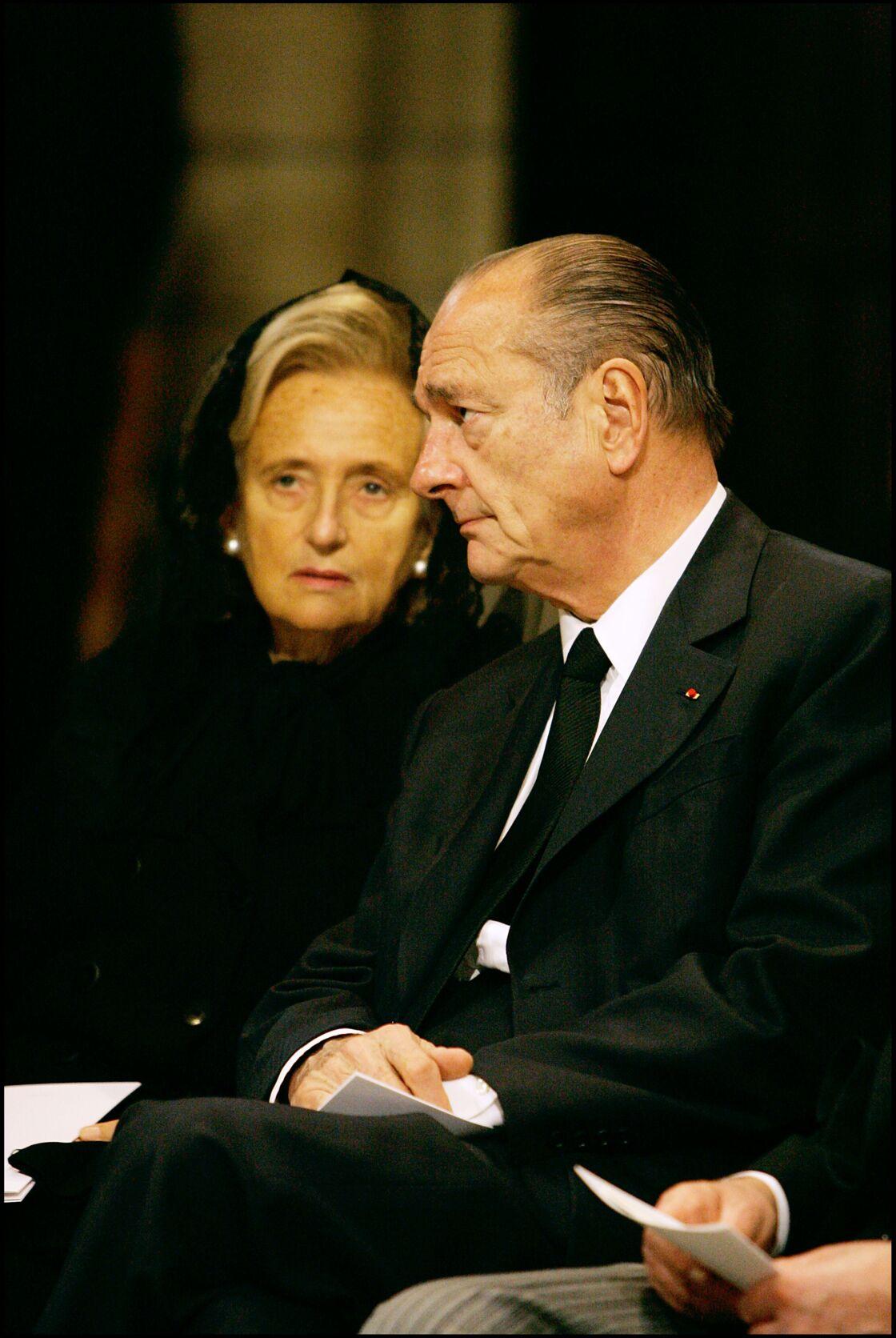 Bernadette et Jacques Chirac au obsèques du prince Rainier III en la cathédrale de Monaco, en 2005.