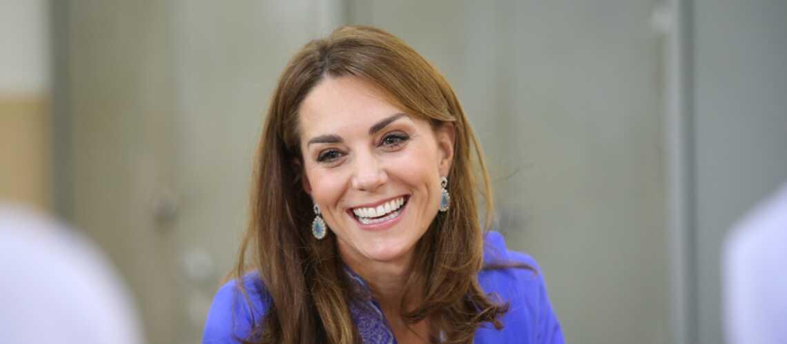 PHOTOS – Kate Middleton fait le buzz avec ses boucles d'oreille à 8€ déjà en rupture de stock! - Gala