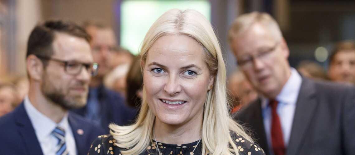 Mette-Marit de Norvège, sa maladie l'oblige à prendre du repos - Gala