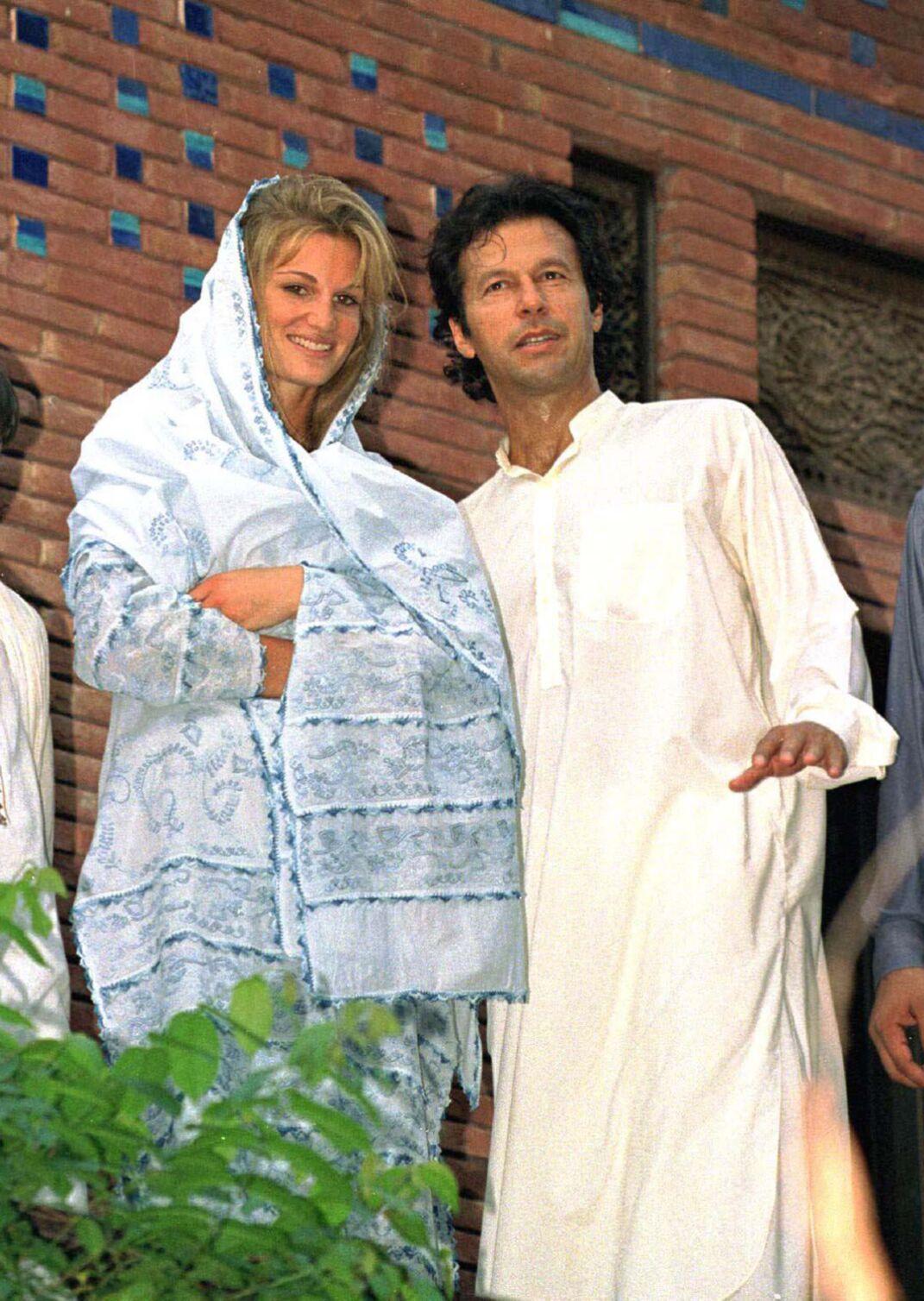 Jemima et Imran Khan, après leur mariage, à Lahore, au Pakistan, en juillet 1995.