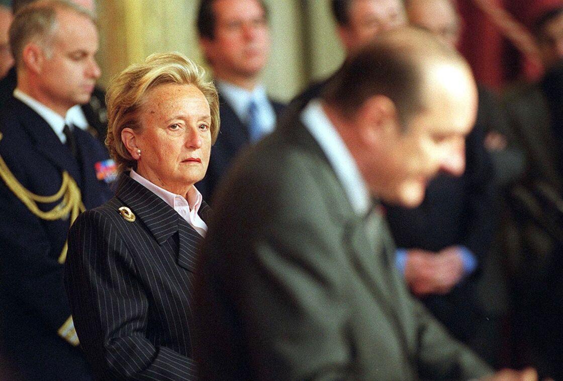 Bernadette et Jacques Chirac : la fureur dans le regard de la Première dame, à l'Elysée, à Paris, le 26 février 2001.