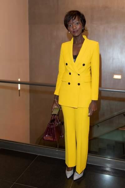 Rama Yade craque elle aussi pour un smoking jaune fluo le 16 octobre 2019