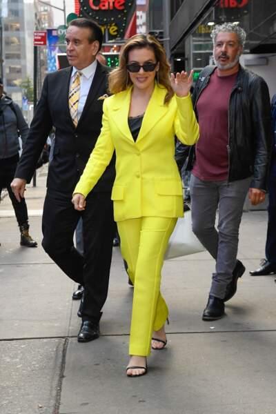 Alyssa Milano a fait sensation avec ses confessions chocs mais aussi son costume jaune pétant