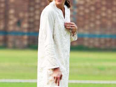 PHOTOS - Kate Middleton comme vous ne l'avez jamais vue : la duchesse en pleine partie de cricket !