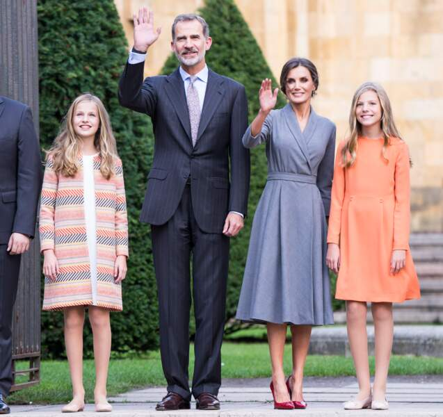Le portrait de famille de Letizia et Felipe d'Espagne et de leurs deux filles