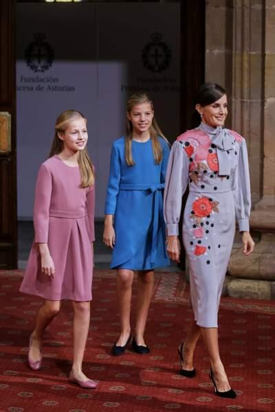La reine d'Espagne et les princesses à Oviedo