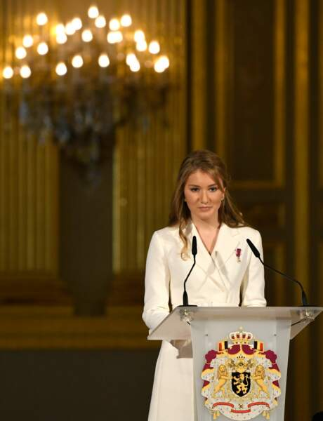 Elisabeth de Belgique fête ses 18 ans en grande pompe, au Palais royal de Bruxelles, le 25 octobre 2019.