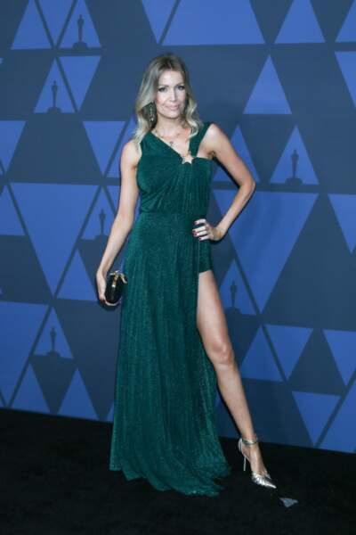 Nicole Kimpel, la femme d'Antonio Banderas, très en beauté dans une robe longue et fendue qui dévoile des jambes parfaites.