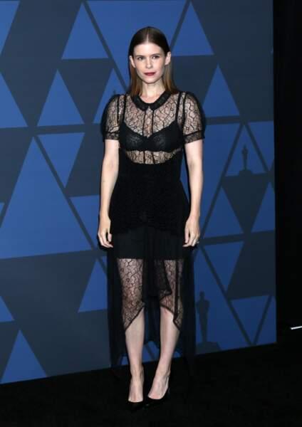 La jeune maman Kate Mara très sexy en soutien-gorge apparent et dentelle