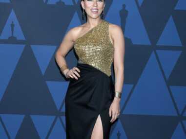 PHOTOS - Charlize Theron, Jennifer Lopez, Scarlett Johansson, les tenues les plus surprenantes des Annual Governors Awards