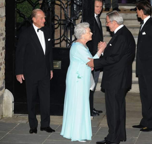 Elizabeth II lors de la soirée d'anniversaire du roi Constantin de Grèce, le 2 juin 2010 à Londres