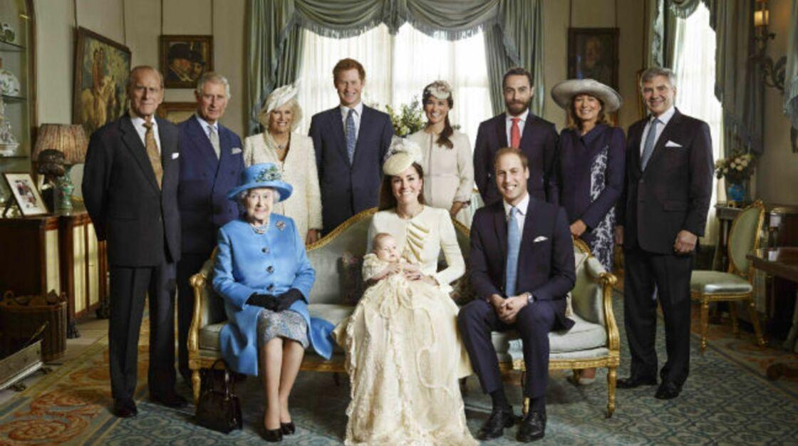 Photo officielle du baptême du prince George, dans la Morning Room de Clarence House, en 2013.