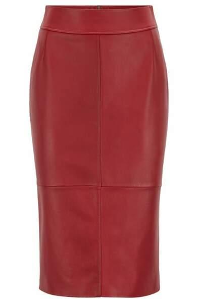 La jupe Hugo Boss de Meghan Markle et Letizia d'Espagne en vente sur le site à 399$