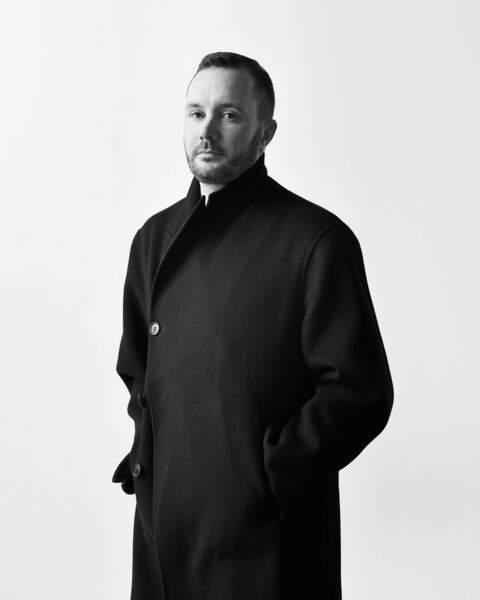 """Kim Jones, le directeur artistique de Dior Homme, était au vernissage de l'exposition """"Frenchette"""" de Raymond Pettibon qui a signé les impressions des looks automne-hiver 2019 de la maison."""