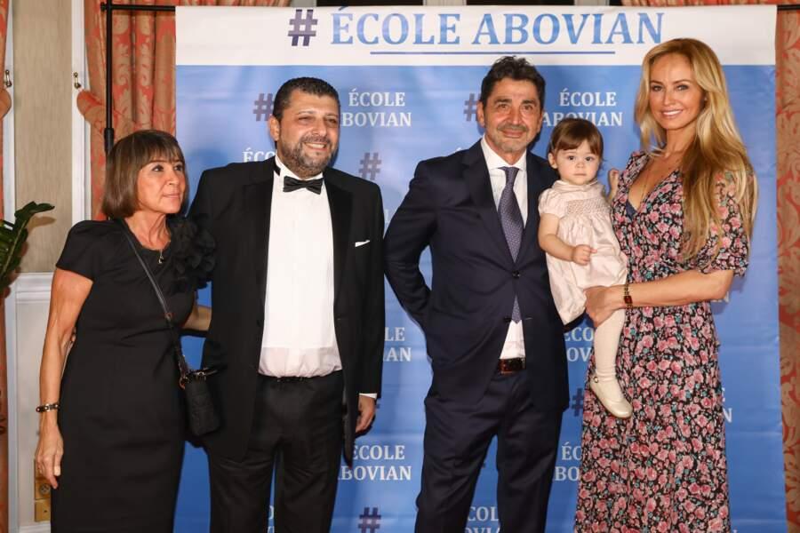 Nina, la fille d'Adriana Karembeu semble ressembler de plus en plus à son papa, Aram Ohanian