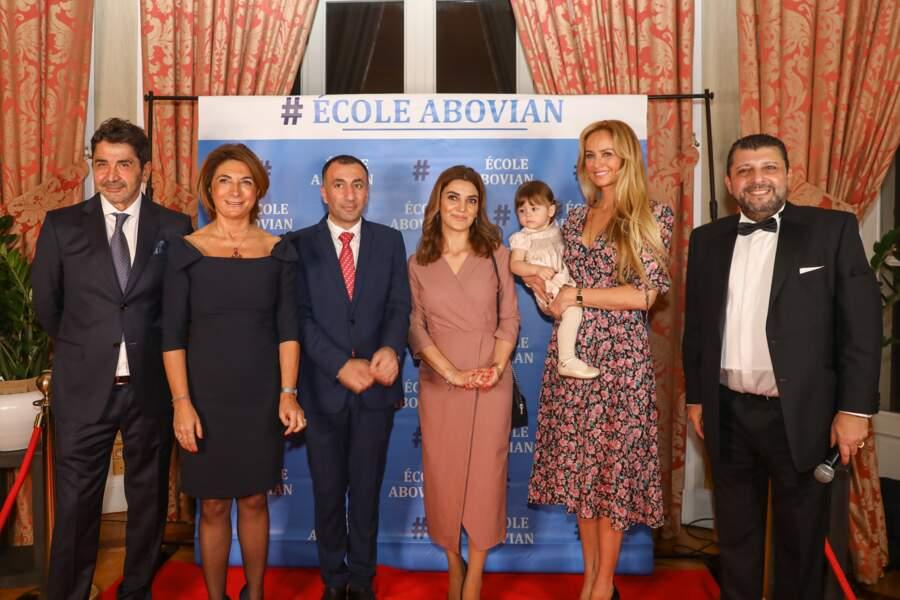 Nina n'a pas manqué de se faire remarquer lors de la soirée caritative au profit de l'école arménienne Abovian