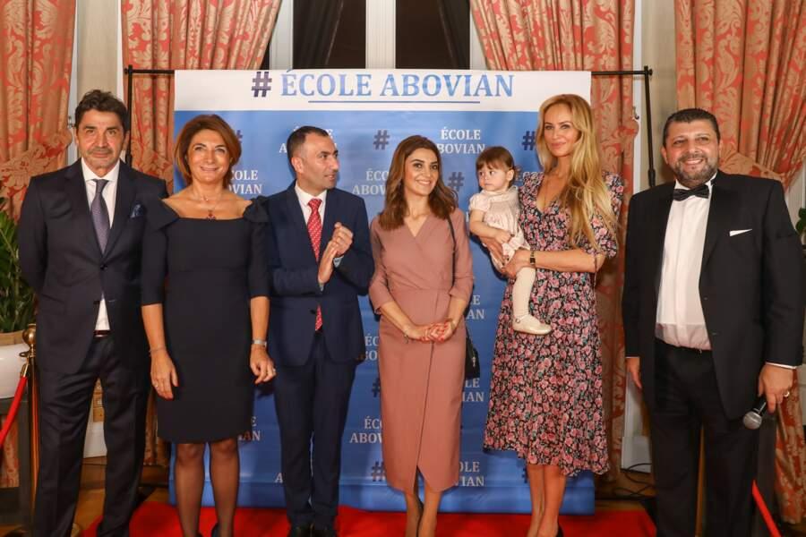 Nina, dans les bras de sa maman Adriana Karembeu ce 26 octobre à Marseille