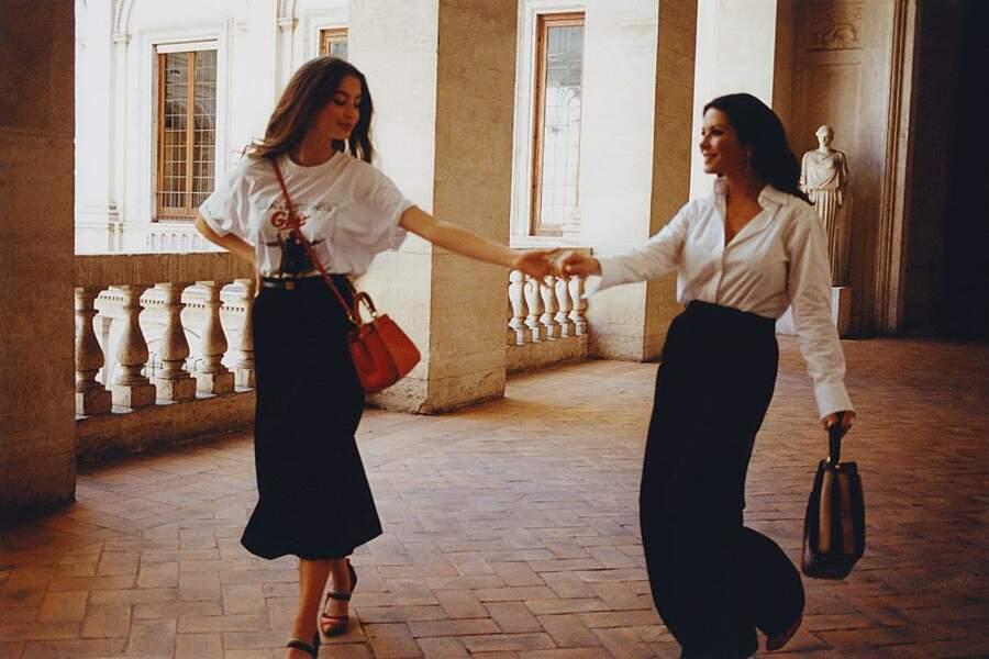 Sublimes Catherine Zeta-Jones et sa fille Carys Douglas pour Fendi et son Peekaboo légendaire.