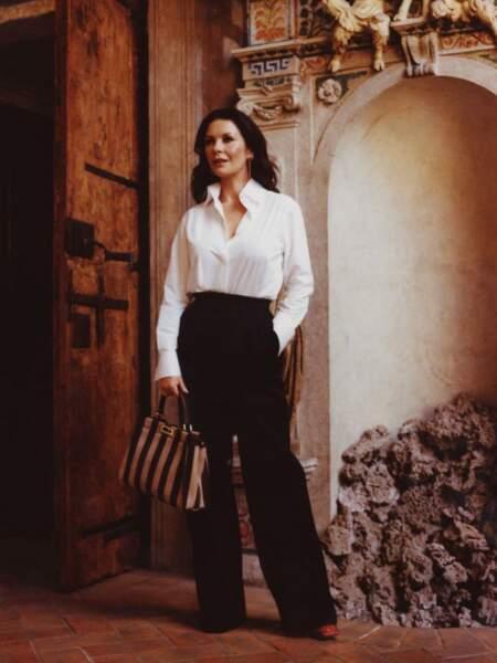 Iconique Catherine Zeta-Jones, parfaite italienne pour Fendi à Rome.