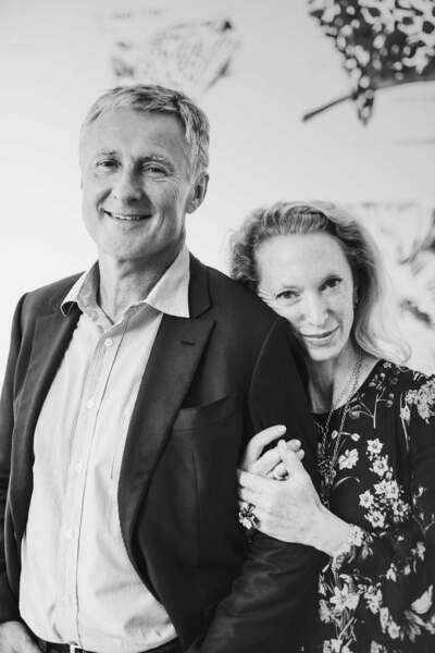 Le galeriste américain David Zwirner, hôte de l'exposition, et son épouse, Monica Zwirner.