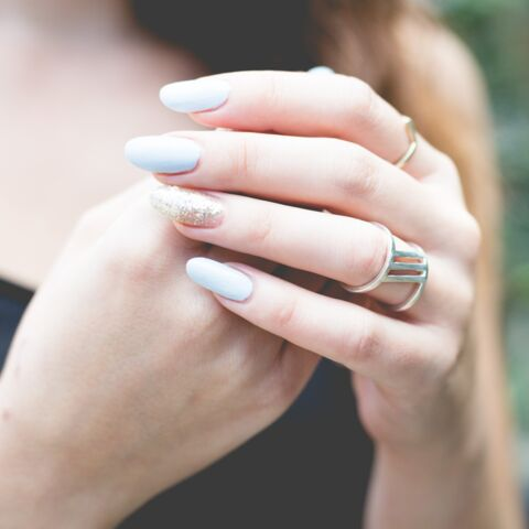 Manucure: comment porter les ongles en amande devenus tendances?