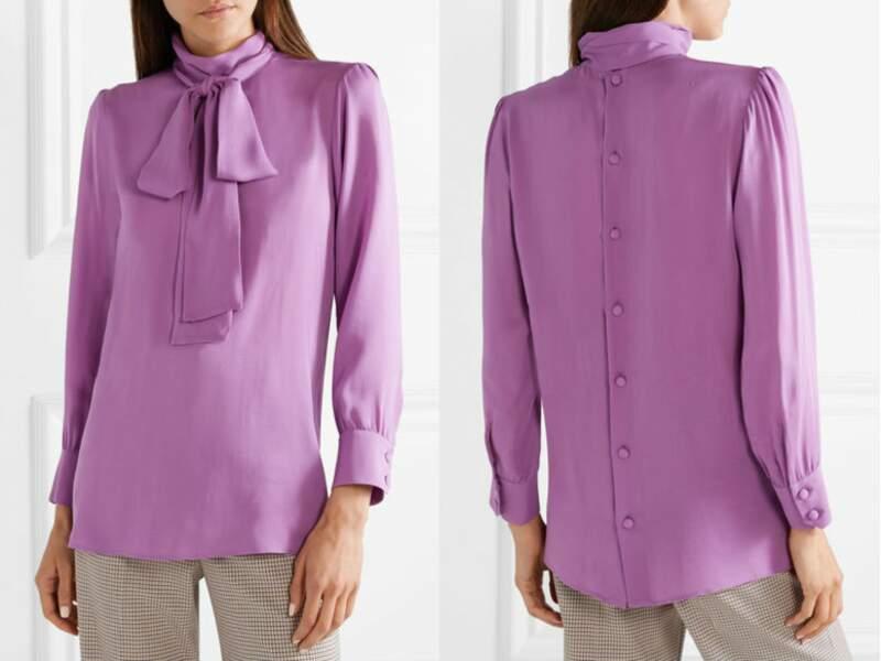 """La blouse en crêpe de soie Gucci, portée par Kate Middleton lors de sa visite du centre pour enfants """"Henry Fawcett"""" à Londres, le 12 mars 2019"""