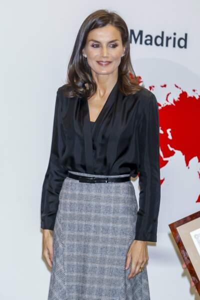 Letizia d'Espagne craque une nouvelle fois pour une tenue Sandro