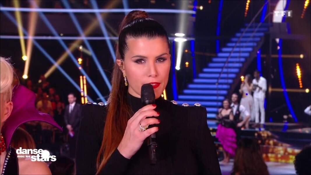 « J'adore le make up de #KarineFerri ce soir #DALSHalloween », a tweeté une jeune femme.