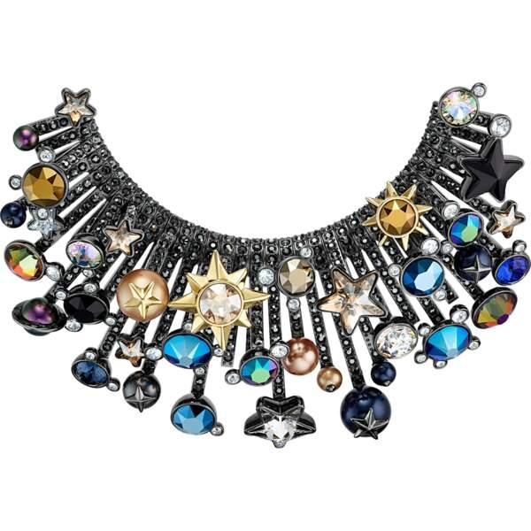 """Broche """"Noctural"""", en mix de métal et cristaux multicolores, 349 €, Swarovski."""