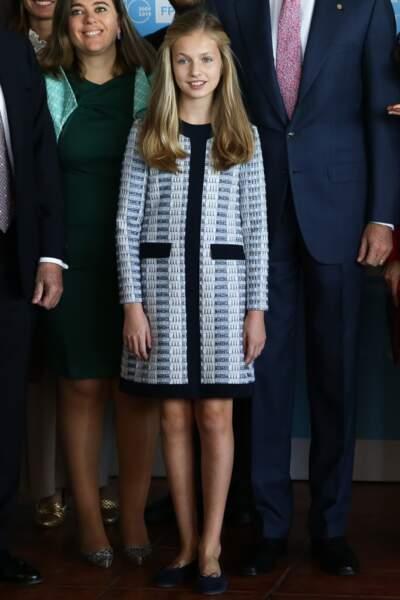Leonor d'Espagne, ravissante dans une robe bleue en tweed