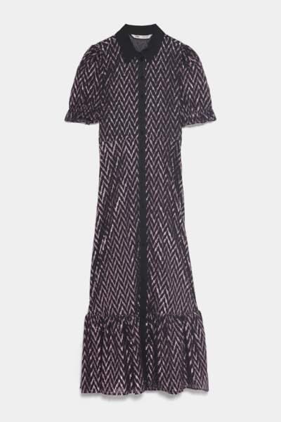 Robe à Fil Métallisé, mi-longue avec col à revers et manches courtes, 59,95 €, Zara.