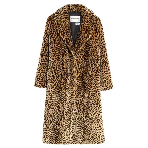 Manteau en fausse fourrure, 399 €, Printemps.